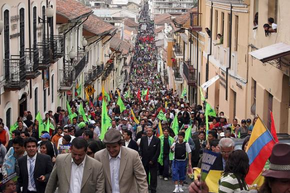 Das Volk marschiert ...