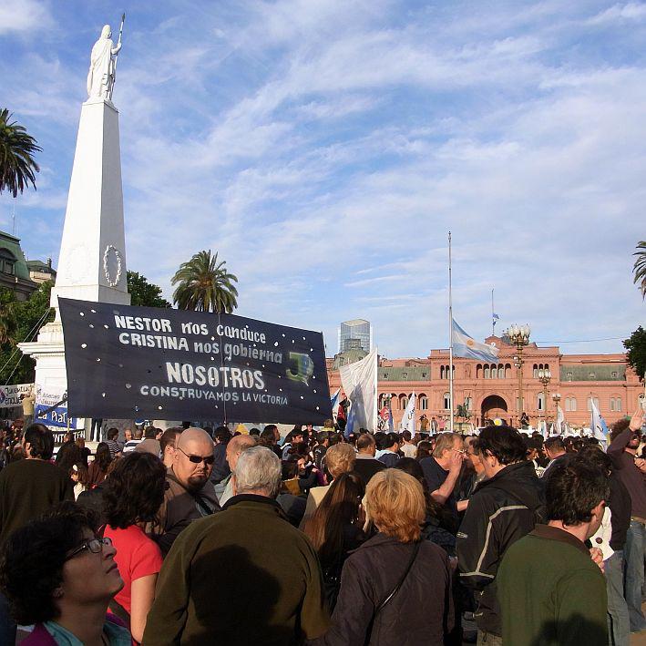 Transparent: Nestor führt uns, Cristina regiert uns, und wir schaffen den Siegf