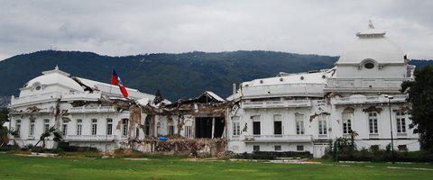 Der Nationalpalast, zerstört durch das Erdbeben am 12. Januar 2010.  November 2010, Port-au-Prince, Haiti