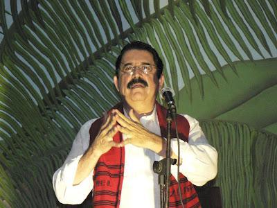 Honduras' Ex-Präsident Manuel Zelaya spricht vor der Versammlung