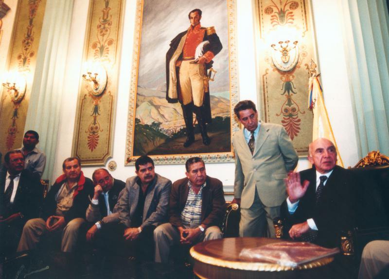Die Putschisten im Präsidentenpalast Miraflores in Caracas
