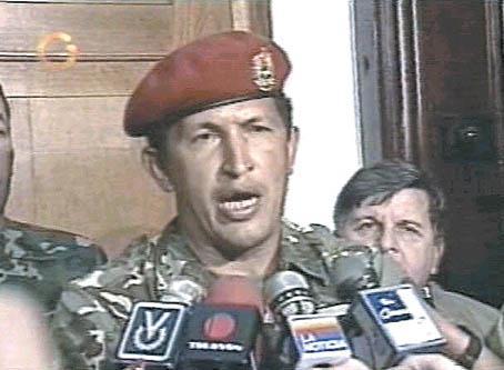 Hugo Chávez bei seiner TV-Ansprache nach der gescheiterten Militärrebellion am 4. Februar 1992