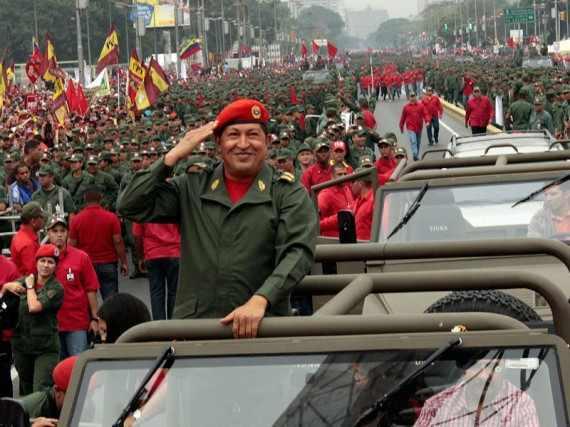 """Die Gründung der Volksmilizen im Jahr 2010 war ein großer Schritt bei der Reformierung des Militärs hin zu """"Bolivarischen Streitkräften""""."""