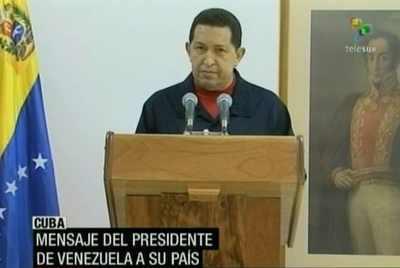 Ende Juni 2011, nach einem chirurgischen Eingriff in Kuba, teilt Chávez in einer Fenrsehansprache mit, dass er an Krebs erkrankt ist.
