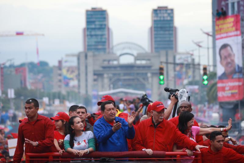 Zum Abschluss der Wahlkampagne kamen Hundertausende Anhänger des Präsidenten in Caracas zusammen.