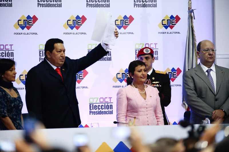 Chávez wird vom Wahlrat offiziell als Sieger der Präsidentschaftswahlen bestätigt.
