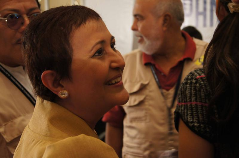 Die Direktorin des Nationalen Wahlrates (CNE), Tibisay Lucena, begrüßt die Wahlbeobachter