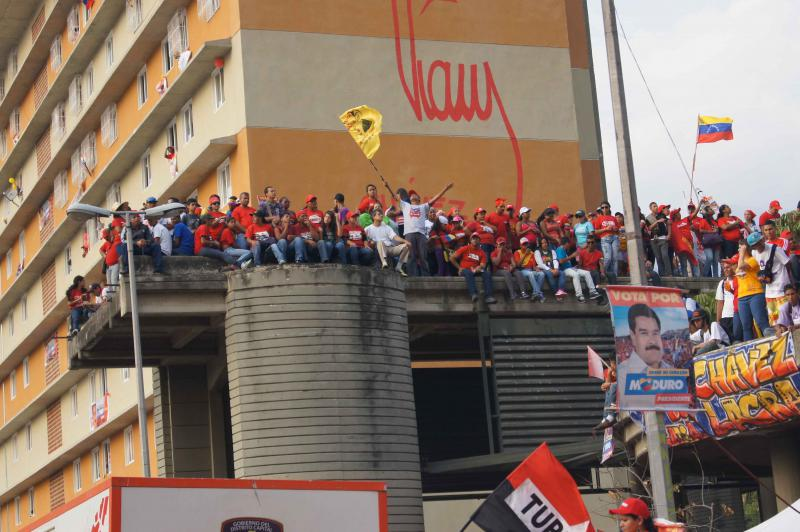 In Bühnen in ganz Caracas wurde der Abschluss der Wahlkampagne begangen