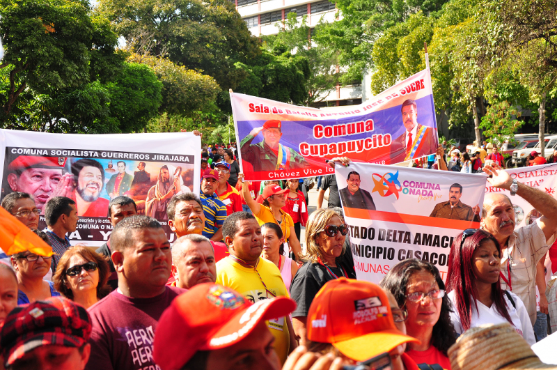 Tausende Kommunarden aus allen Bundesstaaten Venezuelas waren nach Caracas gekommen