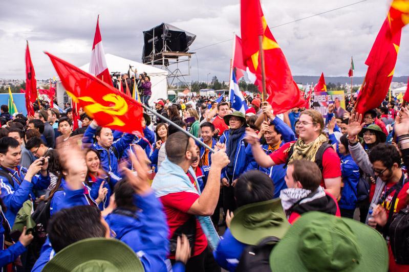 Das kulturelle Rahmenprogramm sorgte für gute Stimmung – hier zu sehen vietnamesische und französische Delegierte