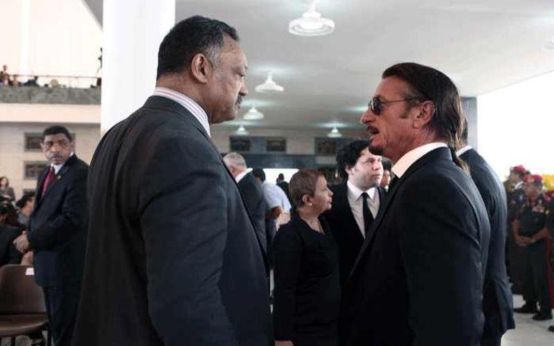 Trauergäste aus den USA: Der Politiker und Bürgerrechtler Jesse Jackson und der Schauspieler und Aktivist Sean Penn