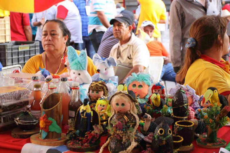 In Handarbeit hergestellte Puppen