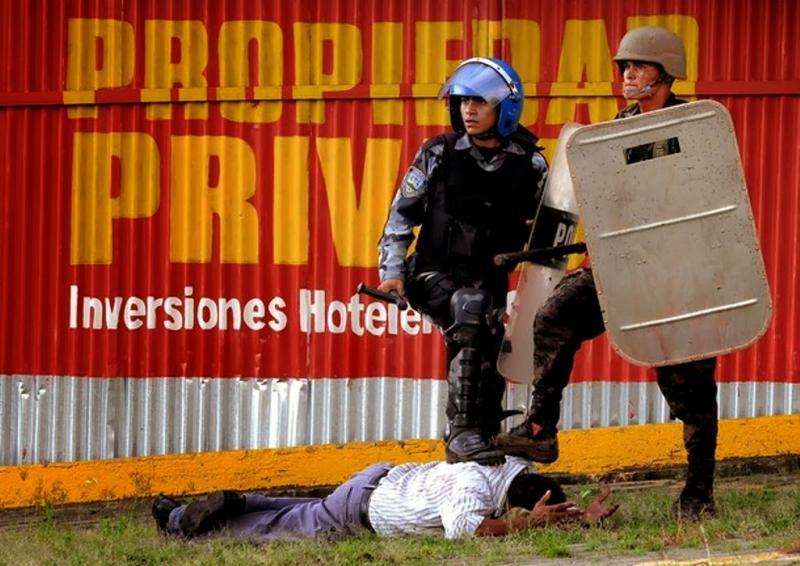 An jedem Tag der Proteste ging die Polizei gewaltsam vor und nahm Demonstranten fest