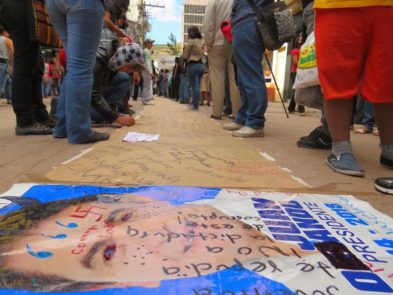 Kommentare und Unterschriften gegen den Wahlbetrug werden gesammelt