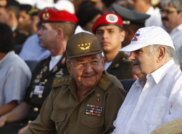 Raúl Castro mit seinem uruguayische Amtskollegen Mujica