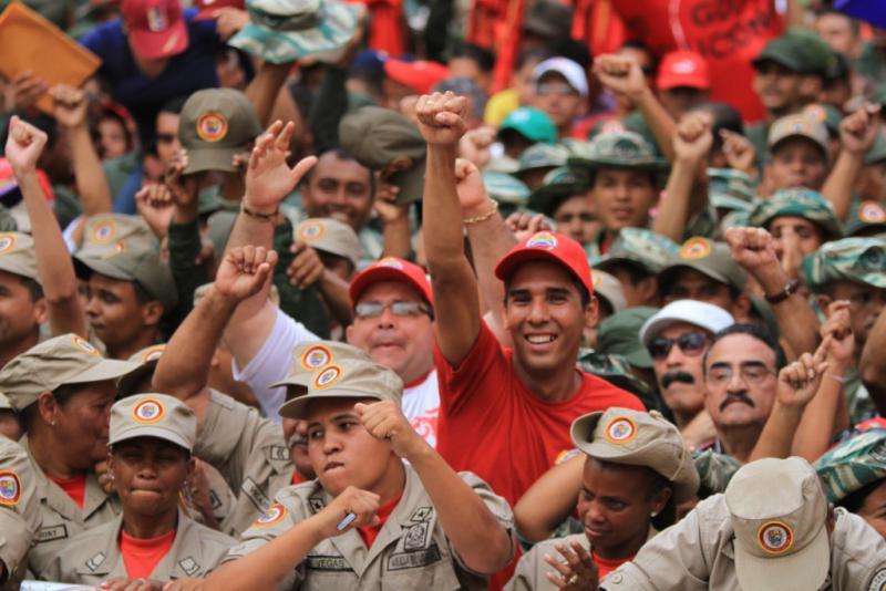 Feier des Sieges über die Putschisten von 2002