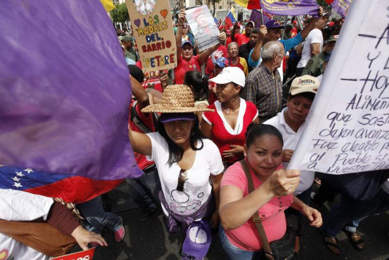 """Teilnehmerinnen des Sozialprogramms """"Mütter des Barrio"""" aus Petare in Caracas sind dabei"""