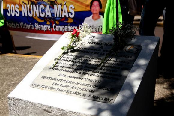 Gedenken an die Opfer in der Avenida Mariana de Jesús. Hier wurden mehrere Menschen durch Schüsse von Polizisten getötet