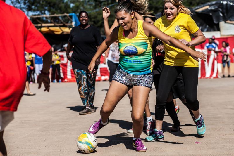 Kickende Frauen...