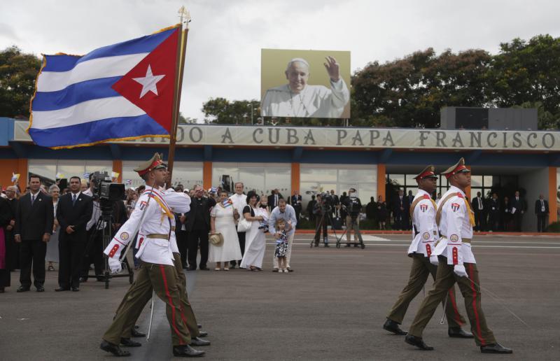 Empfang für den Papst am Internationalen Flughafen José Martí in Havanna