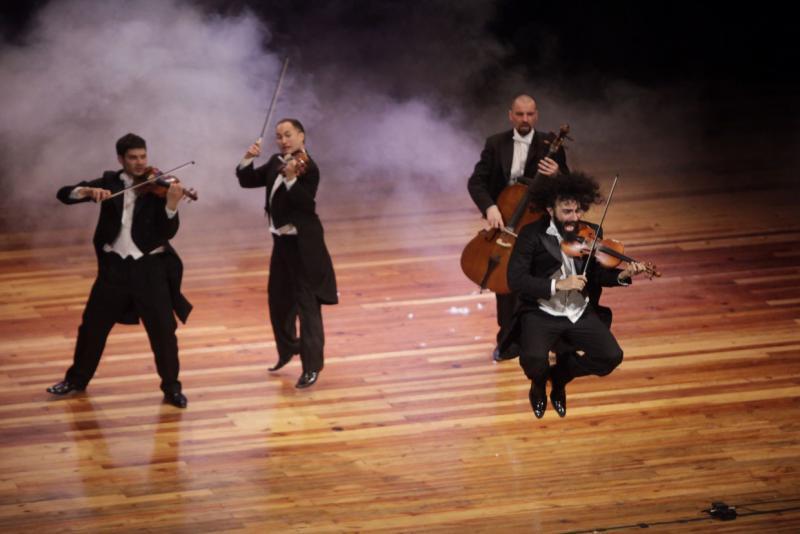 Zum Auftakt des Festivals spielte die Gruppe Pagagnini aus Spanien im Teatro Municipal im Zentrum von Caracas
