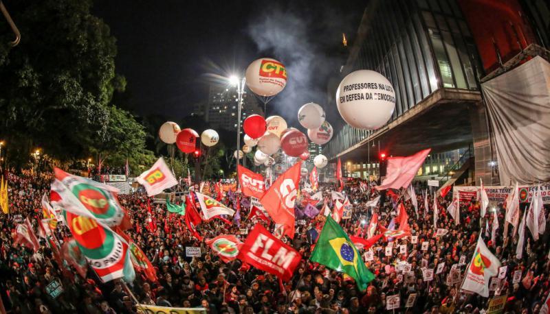Tausende protestierten auch in São Paulo