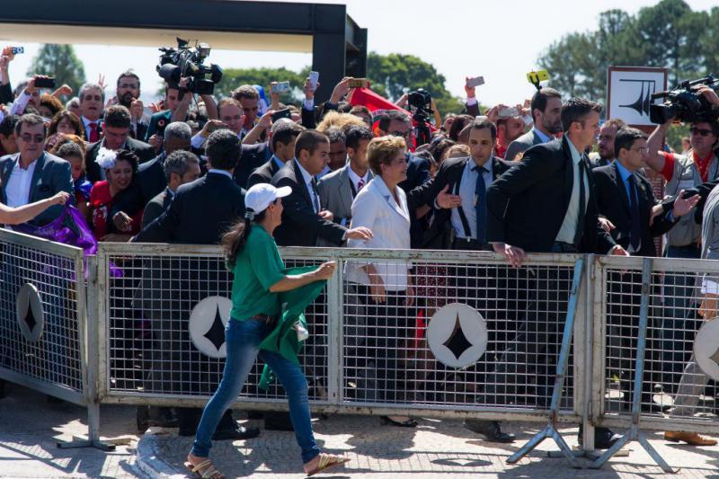 Präsidentin Dilma Rousseff beim Verlassen des Kongresses
