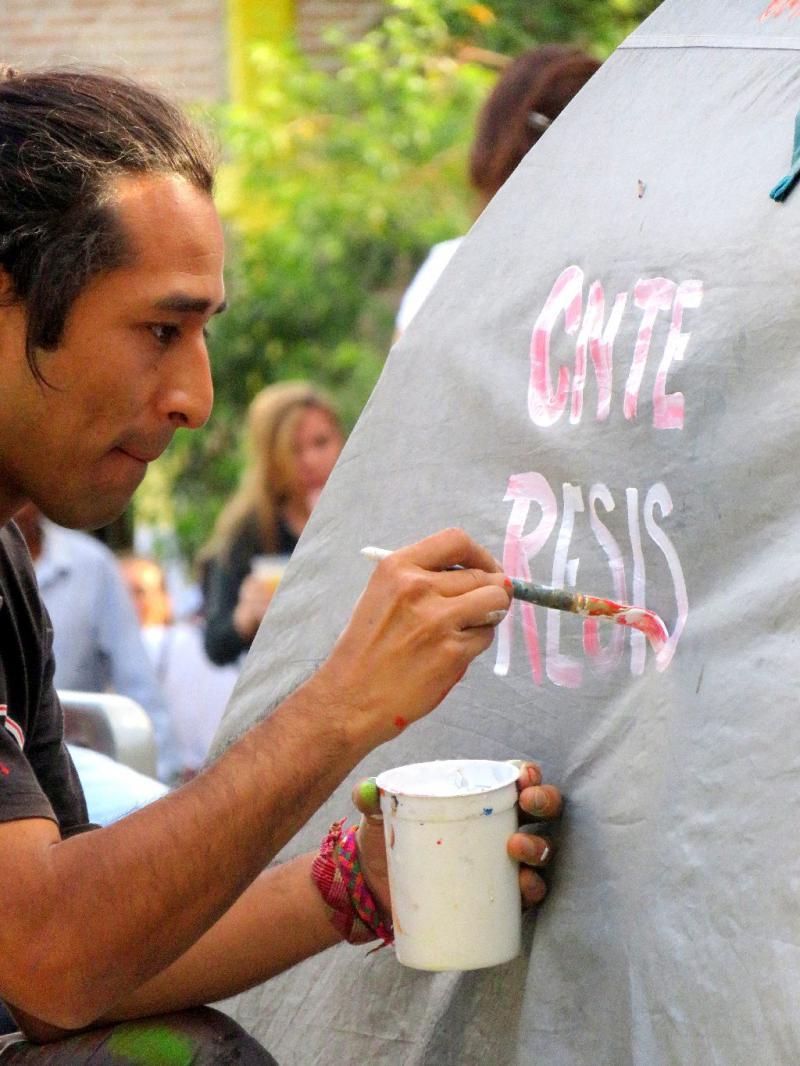 Die Künstler wurden auch in Solidarität mit der Lehrerbewegung Mexikos und ihrer Gewerkschaft CNTE aktiv
