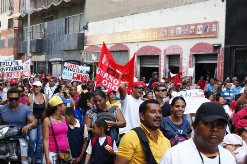 Die Demonstration führte durch das historische Zentrum der Hauptstadt. Auch dort wurden in den vergangenen Jahren zahlreiche Wohnblocks neu gebaut