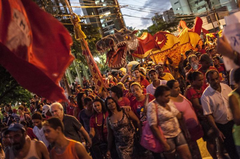 Menschen verschiedenster politischer Organisationen und sozialer Bewegungen gingen auch in Recife gemeinsam auf die Straße