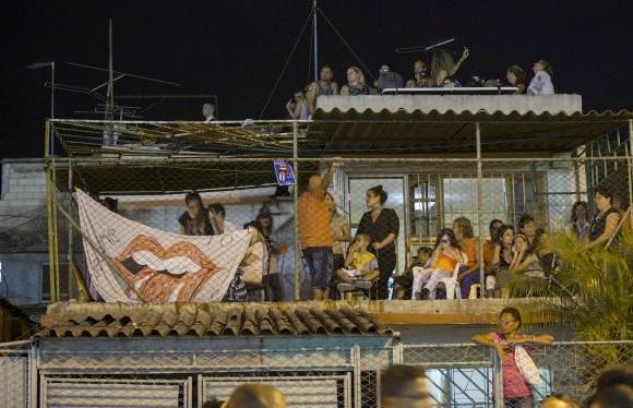 Auch in der Nachbarschaft des Stadions Ciudad Deportiva verfolgten Fans das Konzert
