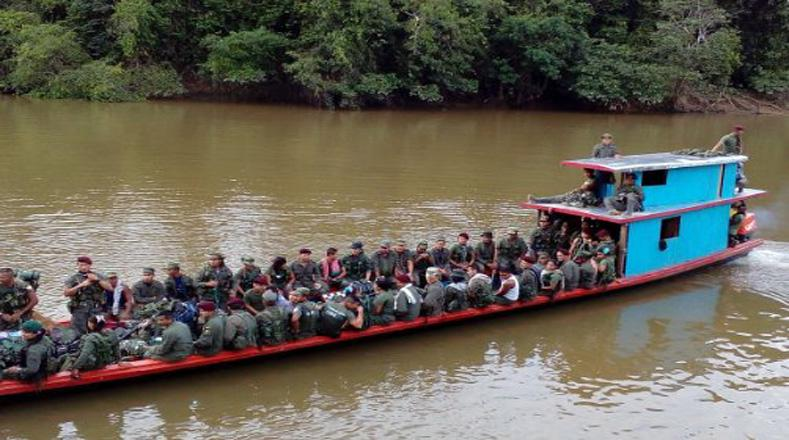 Auch mit Booten brachten die Farc ihre Mitglieder in die Nähe der Übergangszonen