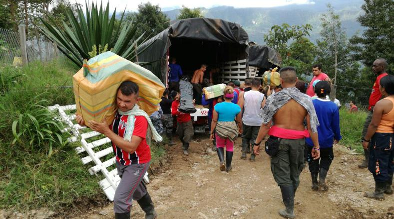 Einzug in ein provisorisches Lager für die Farc in Kolumbien