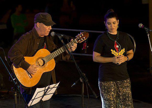 Der Liedermacher Vicente Feliú und Aurora de los Andes Feliú, Sängerin und Schauspielerin