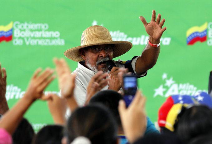 Arbonio Ortega erläuterte die Anliegen des Marsches. Das Treffen wurde landesweit in allen Radio-und TV-Kanälen live übertragen