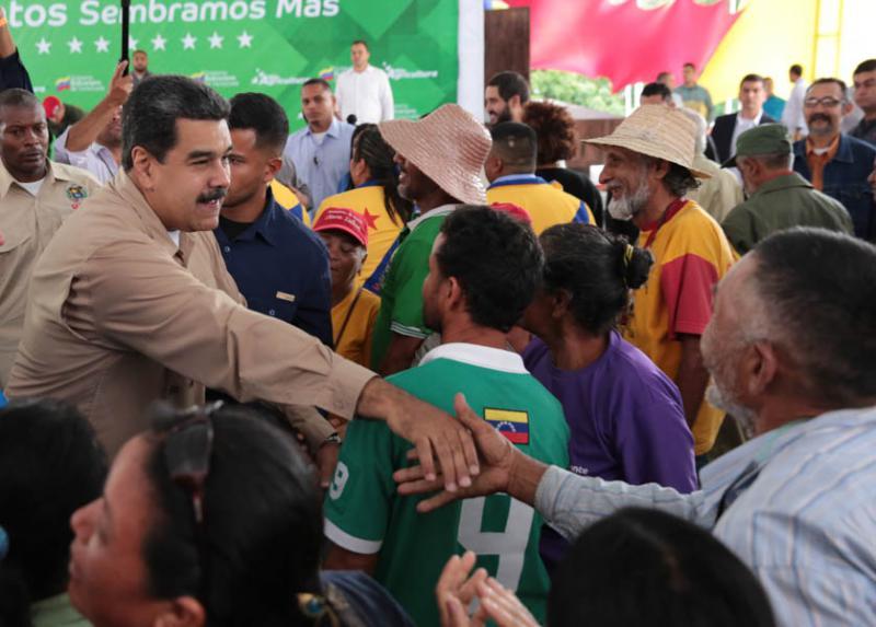 Dort wurden sie von Präsident Nicolás Maduro begrüßt