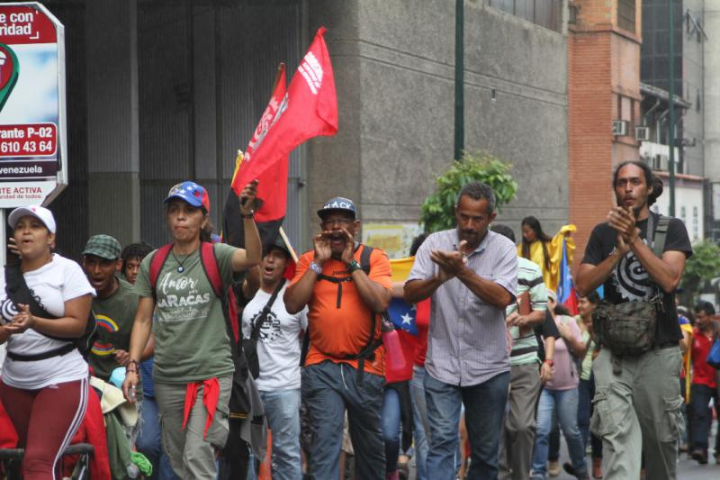 Viele Menschen begleiteten den Marsch Richtung Präsidentenpalast