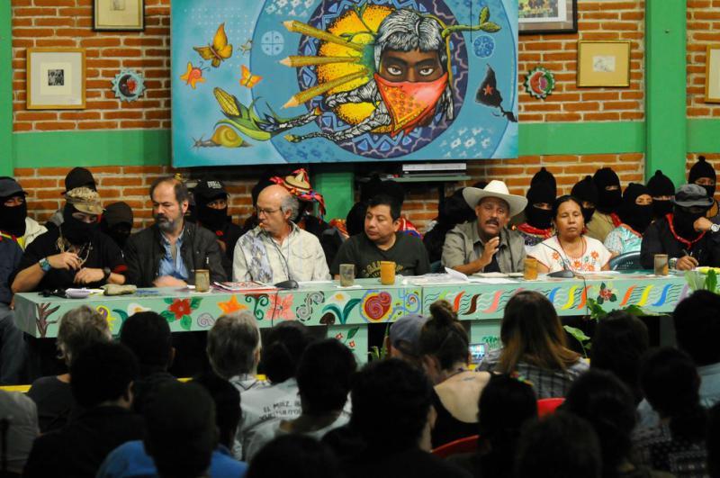 Eine von über einem Dutzend Podiumsdiskussionen des Kongresses. Hier unter anderem mit dem Schriftsteller Juan Villoro, dem Filmemacher Juan Rulfo und Marichuy