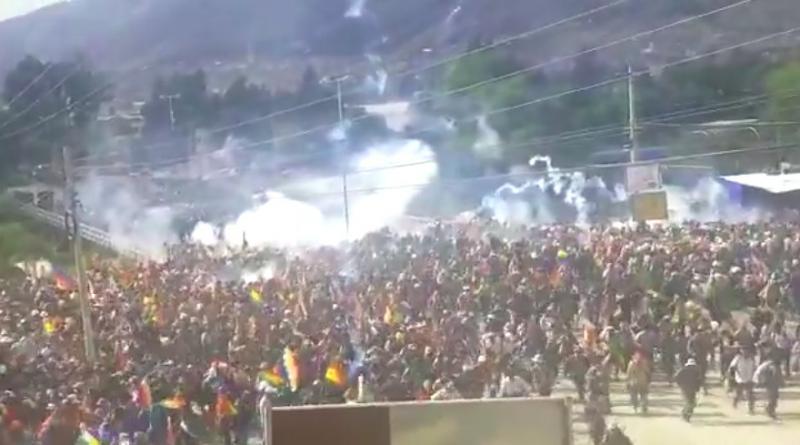 Sicherheitskräfte setzten Tränengas ein, dann schossen sie auf die Demonstrierenden