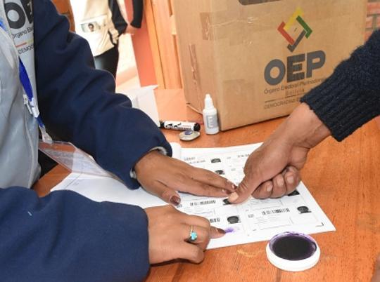 Am 20. Oktober wurde in Bolivien gewählt. Nun findet eine Neuauszählung der Stimmen durch internationale Experten unter Leitung der OAS statt