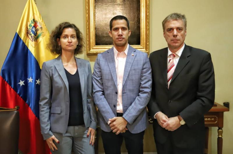 Vogl, Guaidó, Kriener (v.r.n.l.)