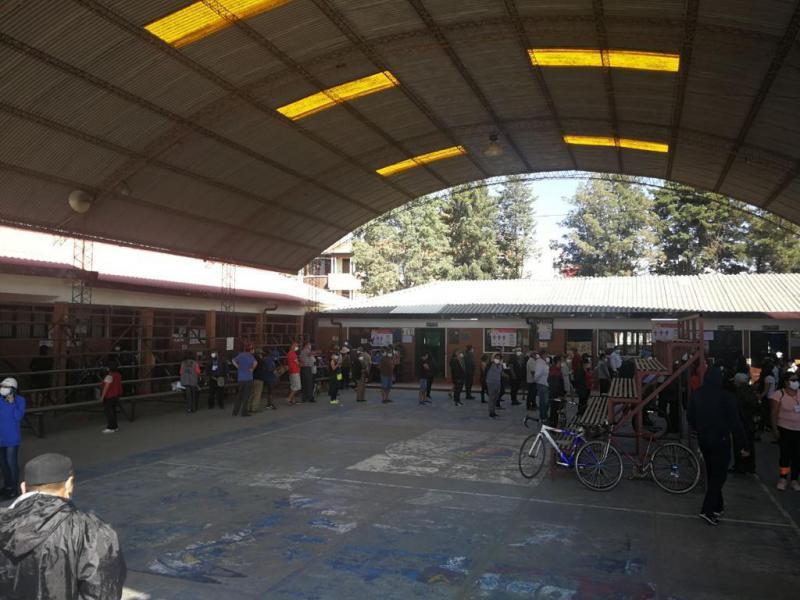 Wahllokal in Cochabamba, im Colegio Santa María Micaela