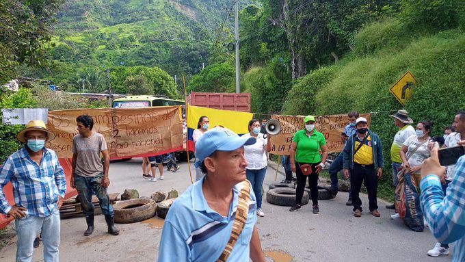Kleinbauern blockieren am 12. Mai die Autobahn Medellín-Bogotá