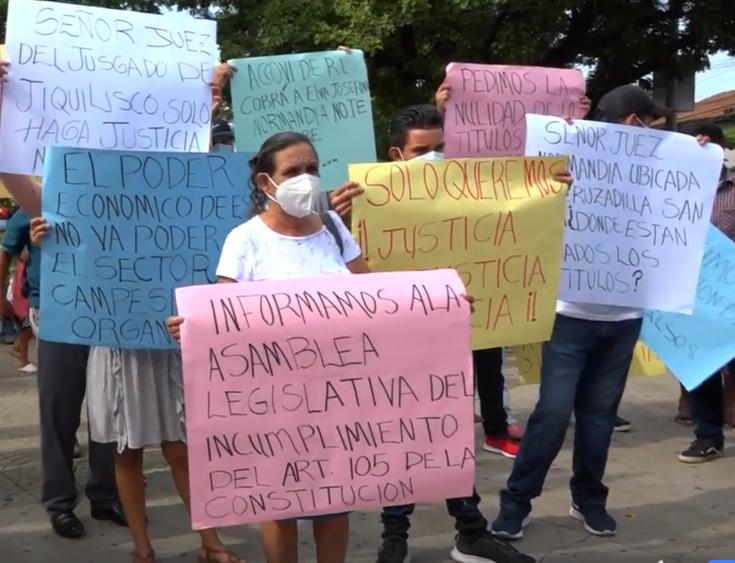 Demonstration und Forderung für Gerechtigkeit für La Normandía