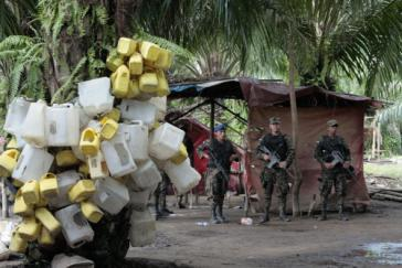 Militär bei der Räumung der besetzten Siedlung Paso de Aguán in der Aldea Panamá