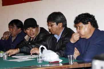 Die COB-Führung bei der Pressekonferenz in La Paz