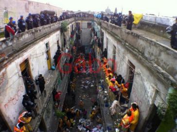 Der Räumungsversuch der Academia 9 vom 17. Juli 2014 in Mexiko-City
