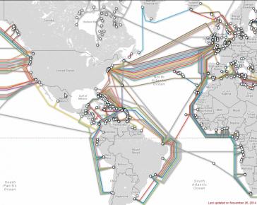 """Die heute existierenden Unterseekabel zwischen Nord- und Südamerika sowie Europa und Afrika. """"Atlantis 2"""" verbindet Argentinien, Brasilien, Senegal, Kapverden, Kanarische Inseln und Portugal. Es ist für den Internet-Datenverkehr nicht geeignet und wird nur für konventionelle Telefongespräche verwendet"""