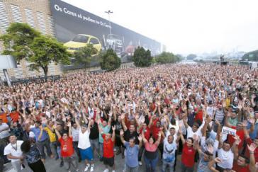 Arbeiterversammlung auf dem Gelände des VW-Werkes São Bernardo do Campo