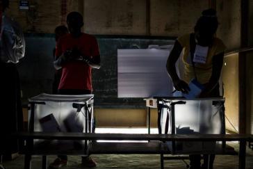 Wähler bei der Abstimmung in Delmas, Haiti am 9. August